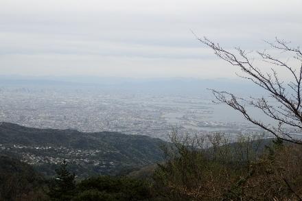 P4280516 六甲山最高峰1323(440x293).jpg