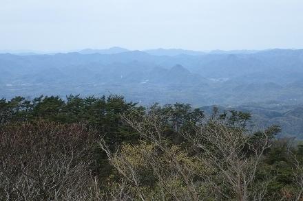 P4280526六甲山最高峰1342 (440x293).jpg