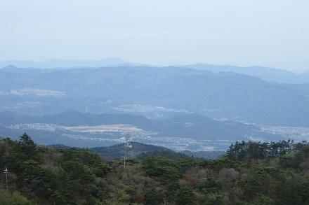 P4280527六甲山最高峰1342 (440x293).jpg