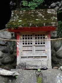 P7094364貴舩神社摂社 (210x280).jpg